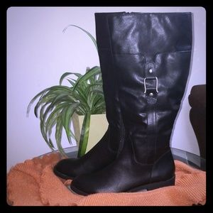 Womens ASTARIE Closed Toe Knee High Riding Boots B
